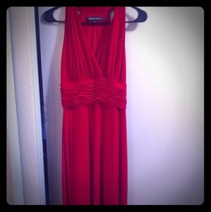 Red sleeveless Jones Wear dress